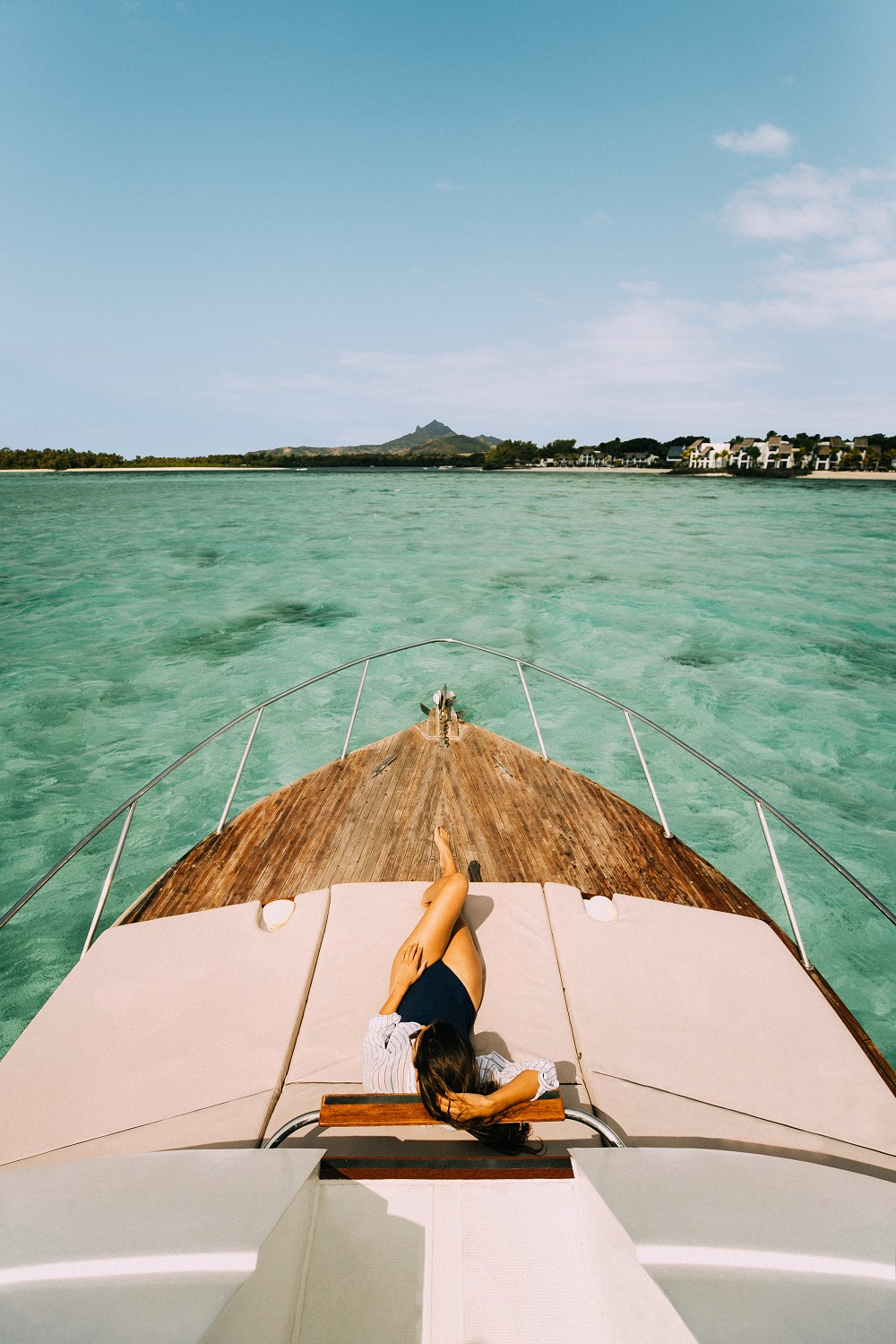 OO_Secondary_Brand_Lifestyle_Model_Boatexperience_2 luxury mauritius