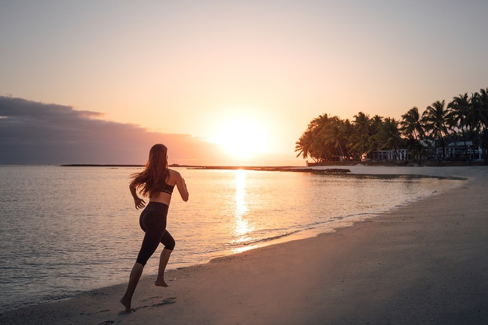 OO_LeSaintGeran_Beach_Sunrise_Model_MorningJogging