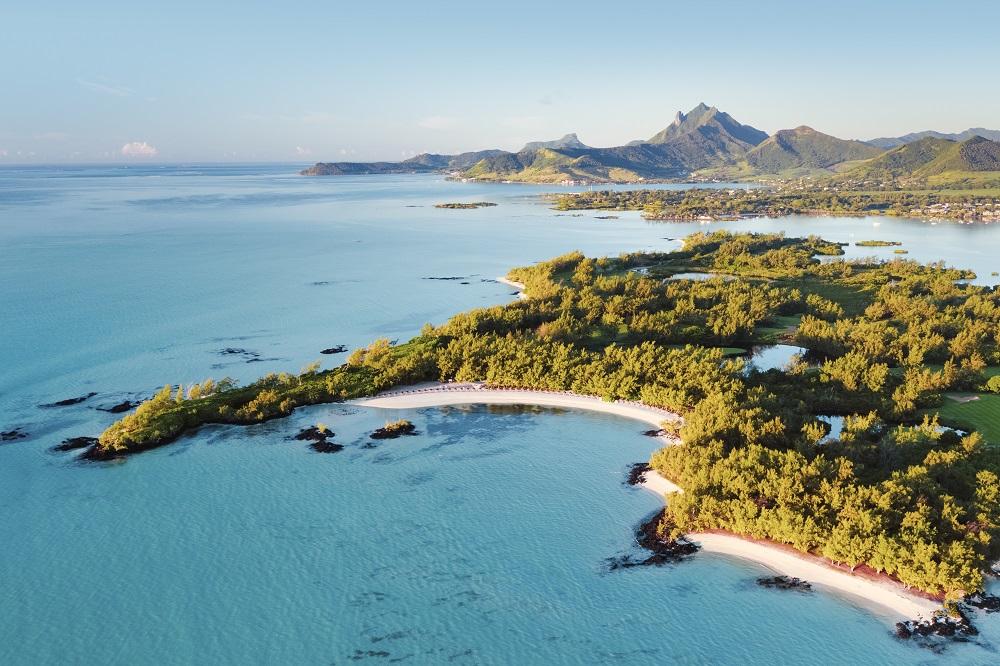 Luxury-Indian-Ocean-Ile-aux-cerfs-golf-club-1.jpg