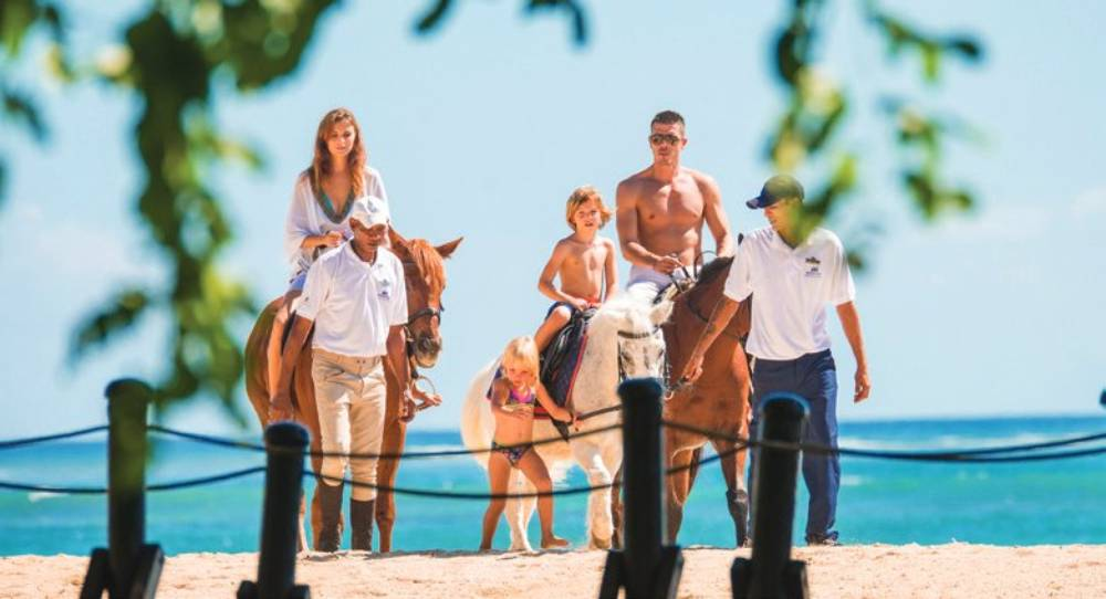 Luxury Indian Ocean Maritim Resort 5