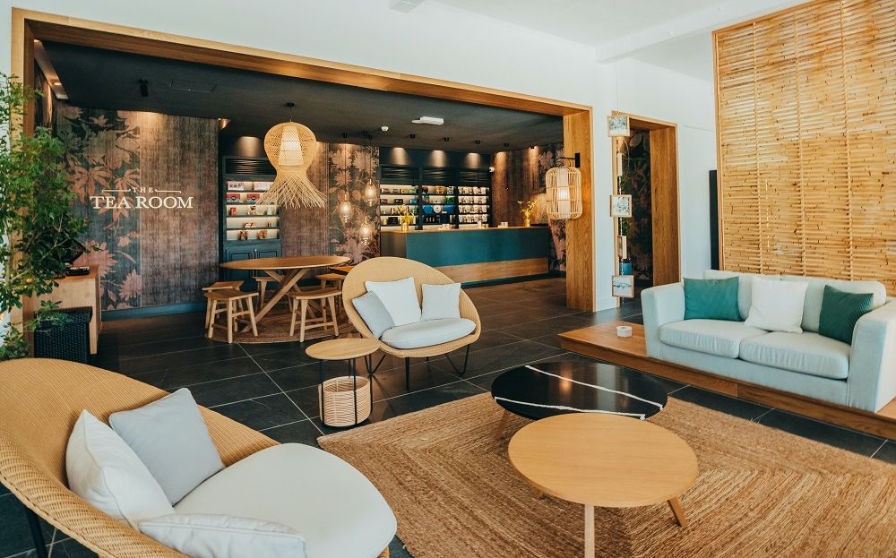 Sugar Beach Luxury Indian Ocean tea lounge